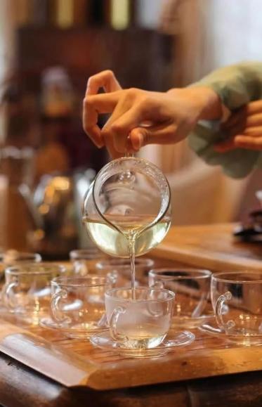 蒋维敏:茶会所(私房菜)餐前茶的培训