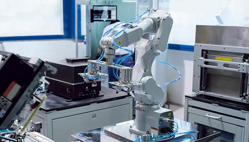 工業機器人技術(ABB、KUKA、松下)