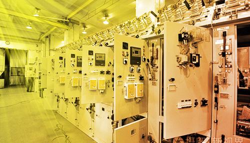 电气设备安装与运行维护封面