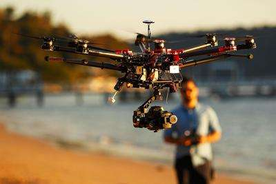 """100唯尔教育:定制""""理实一体化""""的无人机虚拟现实实训,和中海航加强产教融合合作"""