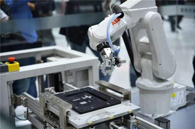 工业机器人4大巨头、3大核心部件、9大精准选型原则,看完秒懂
