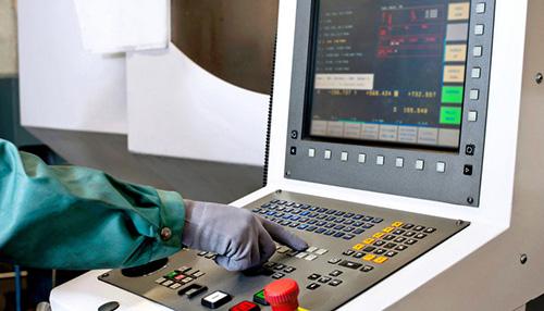 可编程控制器(PLC)